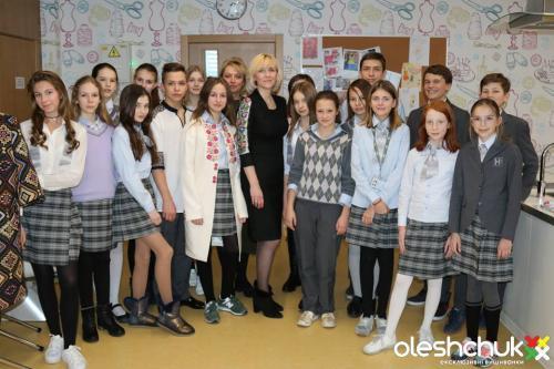 Мастер-класс по вышивке в Новопечерской школе от Галины Олещук
