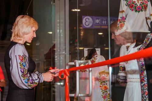 Відкриття магазину вишиванок Oleshchuk у Києві