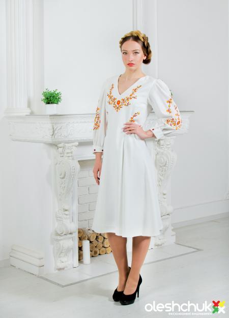 "Вишита сукня ""Весняна леді"". Фото 1"