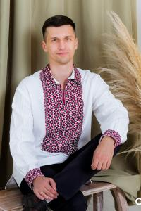 """Вишита хрестиком чоловіча вишиванка """"Сузір'я"""" для прихильників традиційних кольорів."""