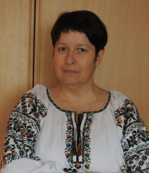 """<p>Ирина Эглит в <a href=""""http://oleshchuk.com/ru/zhenskye-vyshyvanky/eksklyuzyv-vyshyvanka-cvetochnyy-vodovorot"""">эксклюзивной вышиванке """"Цветочный водоворот""""</a></p>"""